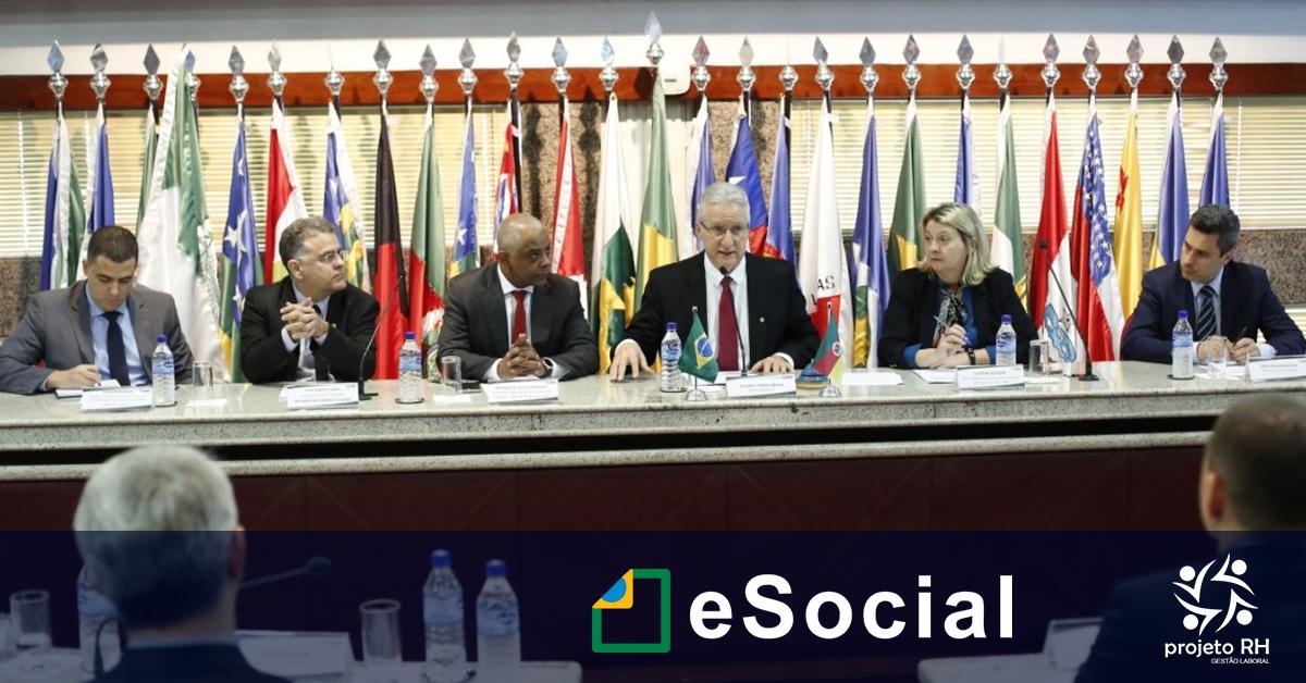 Reunião no CFC discute mudanças no eSocial com nova coordenação do Sistema