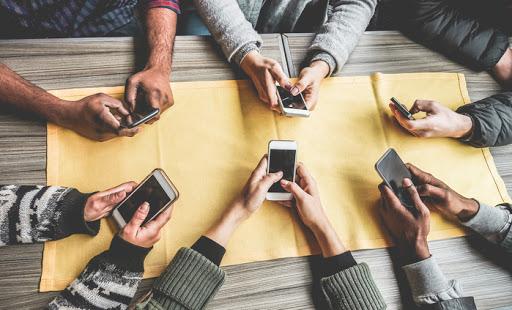 Riscos do uso do celular no ambiente de trabalho